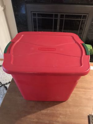 Rubbermaid storage container for Sale in Bellevue, WA