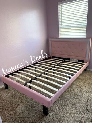 Full size bed frame $180 for Sale in South Gate, CA
