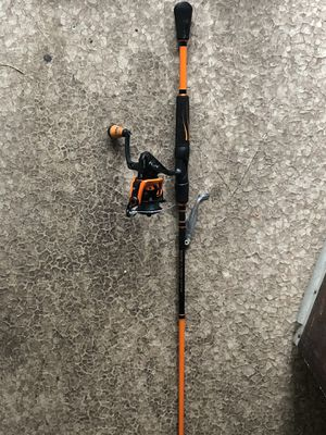 Lews moch 3 crush fishing rod for Sale in Watsonville, CA