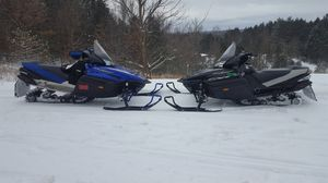 Two Yamaha Vector snowmobiles for stroke 1000cc for Sale in Kingsley, MI
