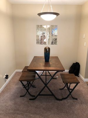 Dining table wood like new for Sale in Fort Belvoir, VA