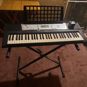 Yamaha Electronic Keyboard for Sale in Stevens, PA