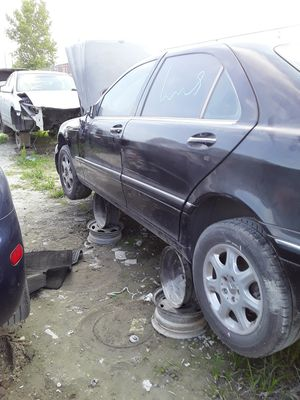 2001 Mercedes Benz S500 for parts for Sale in Houston, TX