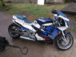 98 gxr 1100 with air shift, 6in. stretch and Vince & Hines pipes. Can't get it to start. Don't have the money to find out the problem for Sale in Nashville, TN