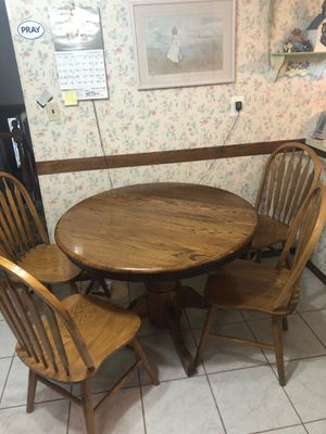 Kitchen table and 4 chairs for Sale in Tinton Falls, NJ