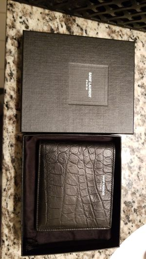 YsL Saint Laurent Crocodile bi-fold mens wallet for Sale in Atlanta, GA