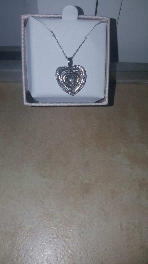 """Diamond accent heart with 22"""" pendant neckles in Sterling silver makes perfect gift"""