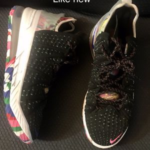 Men's Nike LeBron 18 for Sale in Peoria Heights, IL