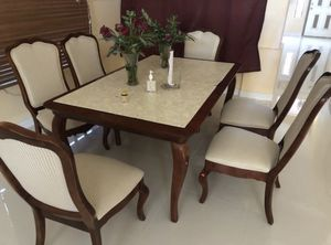 Dinner Table (Chairs included + 2 extra pieces of leaf) for Sale in Mesa, AZ