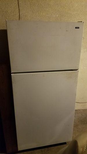 White fridge/freezer for Sale in Long Beach, CA