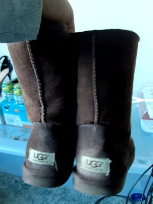 Brown short UGG Boots for Sale in Haymarket, VA