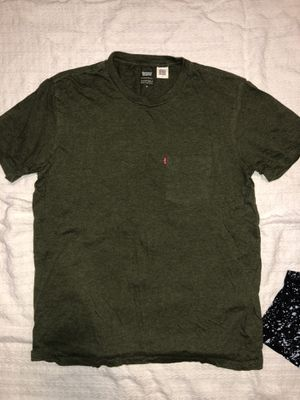Levi's (M) T-Shirt for Sale in Adelphi, MD