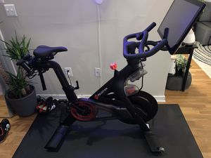 Peloton bike, shoes, weights, and HR monitor for Sale in Tampa, FL