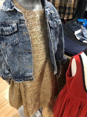 Size 12 girls dress for Sale in Riverside, CA