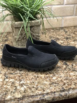 Size 7 Sketchers black shoes for Sale in Smyrna, TN