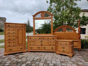 Queen Bedroom Set for Sale in Alafaya, FL