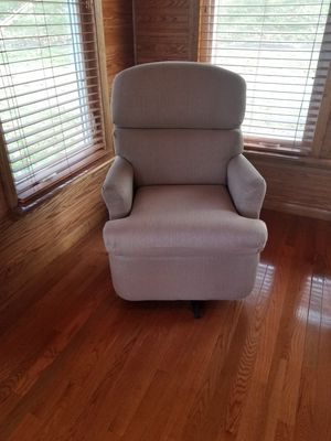 Rv swivel chair for Sale in Aliquippa, PA