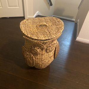 Pottery Barn Owl Laundry Basket for Sale in Sugar Land, TX