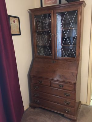 Ethan Allan traditional secretary desk optional chair for Sale in Houston, TX