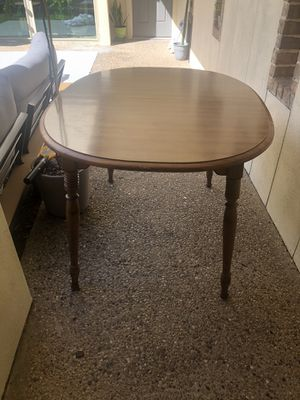 Solid wood table for Sale in Farmers Branch, TX