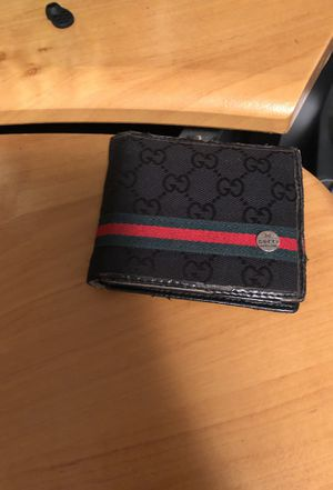 Gucci wallet (used) for Sale in Cleveland, OH