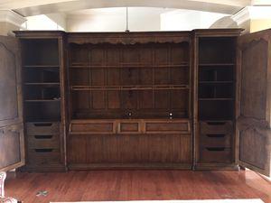 Henredon king storage headboard for Sale in Heathrow, FL