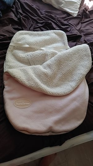Car seat cover j.j. Cole collections 'bundleme' warm winter baby girl for Sale in Milford Charter Township, MI