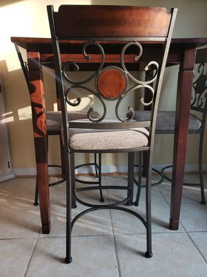 3 bar stool chairs for Sale in Alexandria, VA