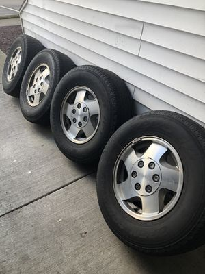 Truck rims and tires for Sale in Puyallup, WA