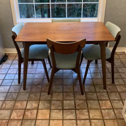 Kitchen Table for Sale in Newcastle,  WA