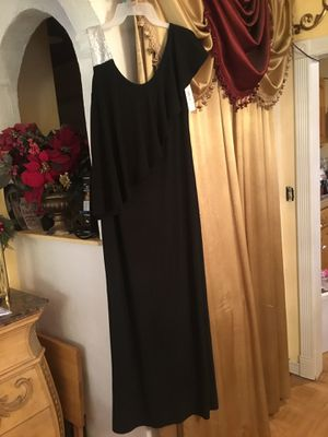 New prom dress brand NW night way size 4 color black and silver for Sale in San Diego, CA