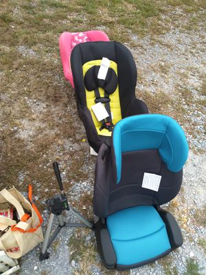 Car seat brand new,had baby shower got to many for Sale in Bedford, VA