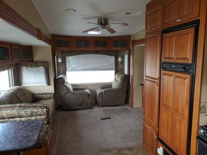 2008 Alumascape 33CKT 5TH Wheel for Sale in Nashville, TN