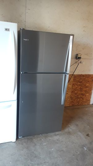 Whirlpool refrigerator for Sale in Vancouver, WA