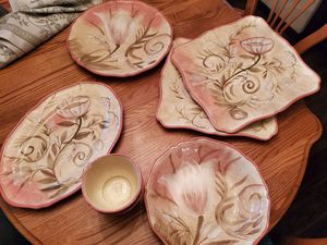 Beautiful Serving Dishes Large Pieces for Sale in Hesperia, CA