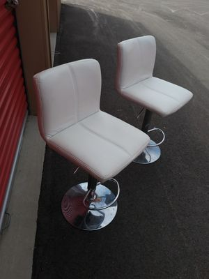 TWO NICE WHITE BAR SOOLS for Sale in Franklin, IN