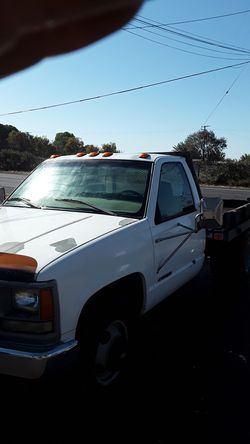 Chevy flatbed 3500 dually for Sale in Modesto,  CA