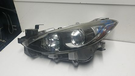 Mazda 3 left headlight 2014-2016 for Sale in South Gate,  CA
