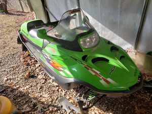 02 Arctic cat z370 snowmobile. Clean sled for Sale in Plymouth, CT