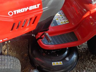 New Troy-Bilt Riding Lawn Mower Bronco 42-in Deck Automatic for Sale in Hillsboro,  OR