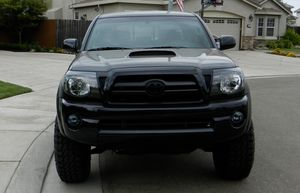 For sale 2007 Toyota Tacoma  4x4 TRACTIONN for Sale in Milwaukee, WI