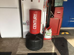 Century Wave Master The original free standing bag. Like new. Adjustable height fill with water No rips or scuffs y Wavemaster Training Bag, Red: for Sale in Joliet, IL