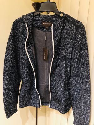 100% Authentic Michael Kors Men's Tile-Print Hooded Windbreaker (Medium) for Sale in Sunrise, FL