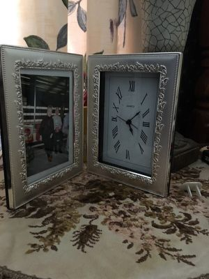 Clock with Picture Frame and Alarm Function for Sale in Arvada, CO