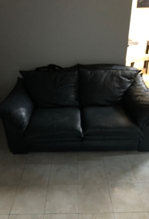Free navy blue couches for Sale in Los Angeles, CA