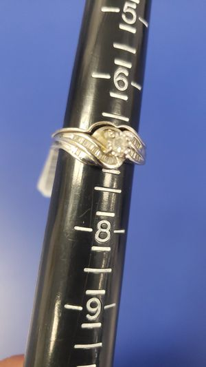 10K Gold Ring 5.1 grams & 1Round Diamond 0.10CTW 29 Baguette Diamonds 0.87CTW Wedding Set for Sale in Tampa, FL