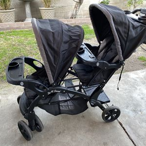 Baby Trend Sit & Stand Double Stroller for Sale in Buena Park, CA