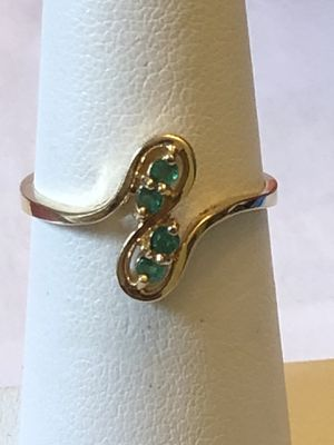 10k yellow gold ring,green stone,2.07 grams, size 6.5, please look at all pictures for more details for Sale in Aurora, IL