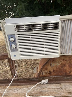 GE Air Conditioner for Sale in Midland, TX