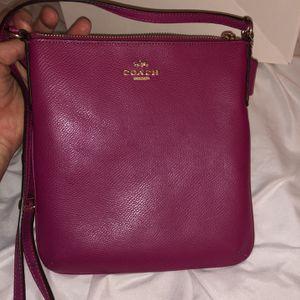 Coach Kitt Messenger crossbody bag for Sale in Mesa, AZ